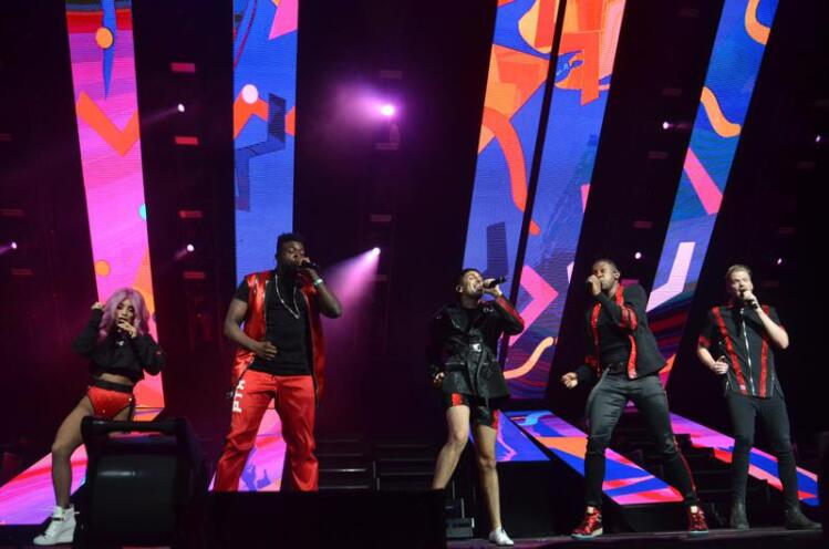 Concert Review: Pentatonix Show Inspires Crowd To 'Go And