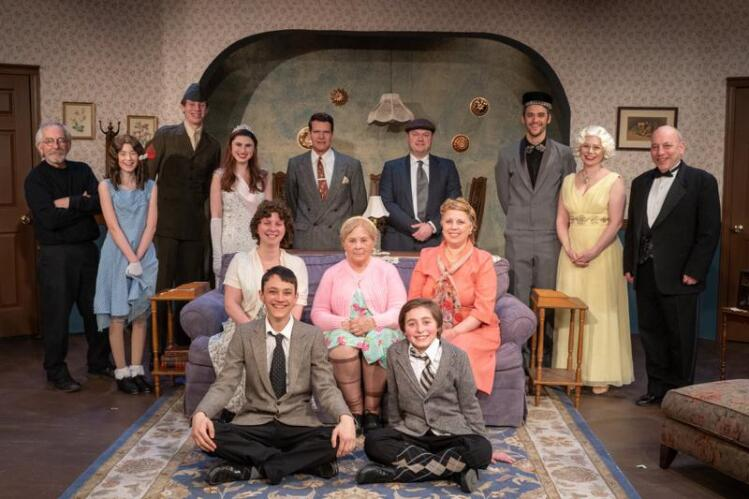 Theater Review: 'Yonkers' In Brookfield Offers Superb