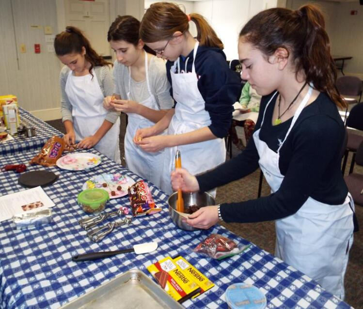Chocolate Enthusiasts Participate In Booth Library's Teen
